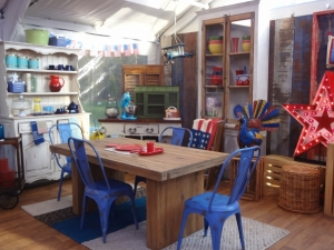 baking decor -- blue chairs