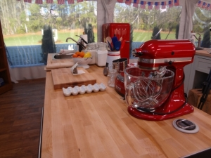 baking -- decor kitchen aid red