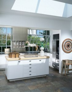 karin blake's malibu kitchen -- before red sashes!