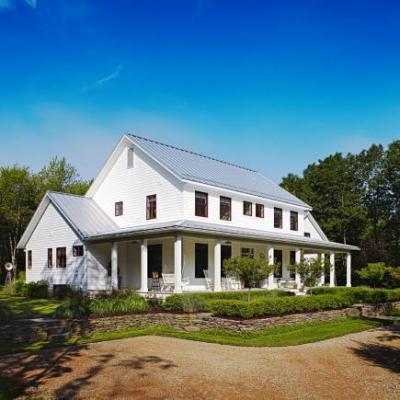 Farmhouse style vacation home redbird for Midwest house plans