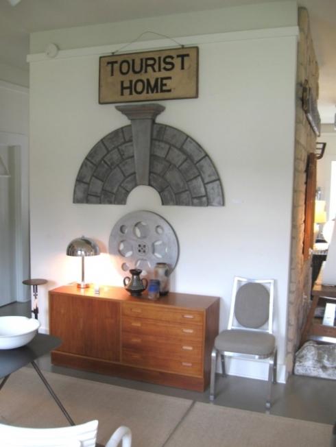 marco polo interior tourist home sign