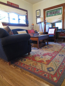 rug -- kilim in living room