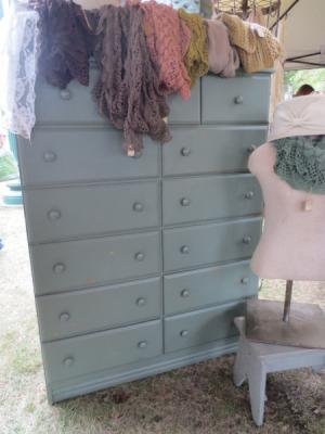 dresser o' green