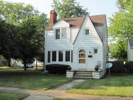 redbird blog-- 2 story house with eat in kitchen