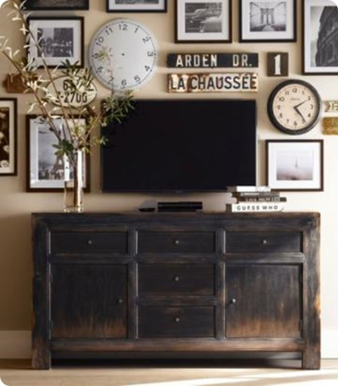 gallery-wall-with-tv-3