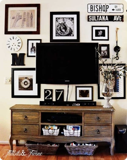 gallery-wall-with-tv-4