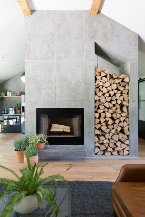 fu-modern-lr-fireplace-straight-on