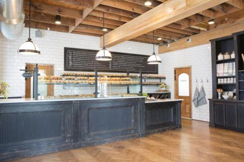 herringbone-floor-magnolia-bakery