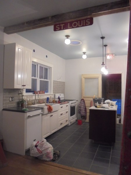 kitchen-wall-for-shelves