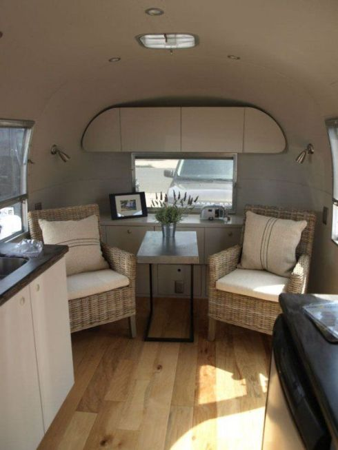 trailer-interior-with-wicker-chairs