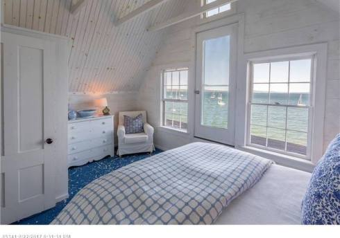 maine house bedroom windo