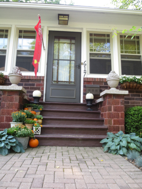fall at the bungalow steps
