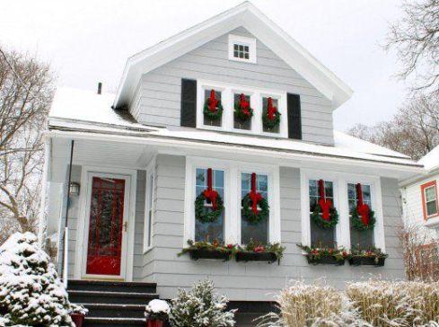 wreath on wiindows