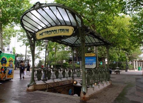 art nouveau paris metro stop