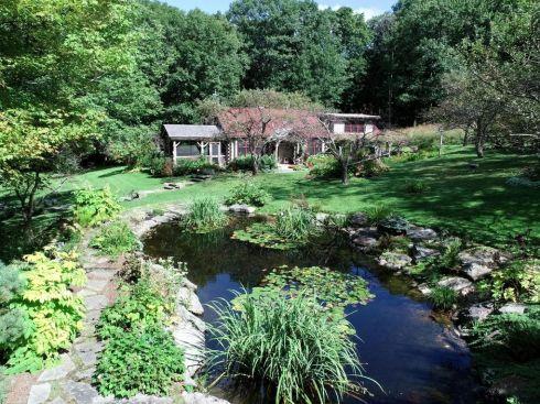 berk cabin pond