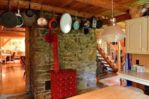 berk cabin red stove