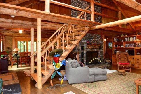 berk cabin stair
